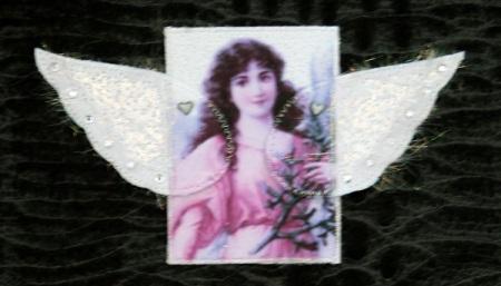 mmm-wingshearts-fannie1